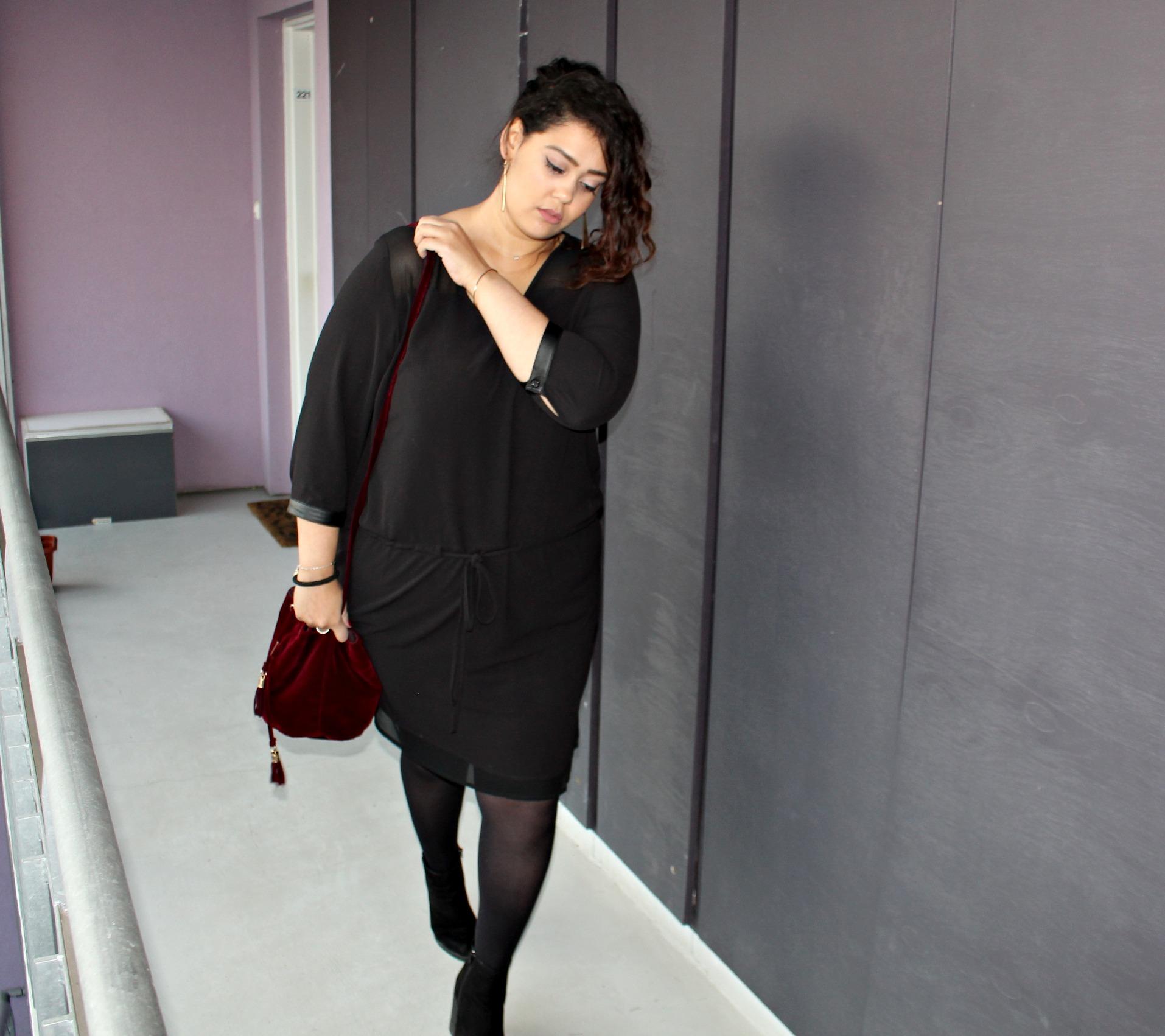 Robe noire et collant grande taille Jiuly Paris